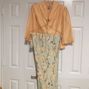 Adrianna Papell 100 % silk party outfit
